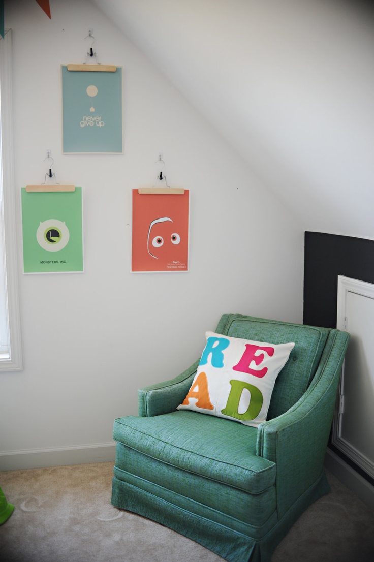 Cool hangers for displaying art or photos and a read pillow playroom pinterest - Playroom office ideas ...