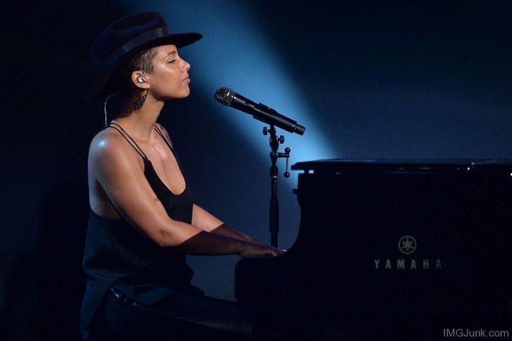 Alicia Keys Playing Piano
