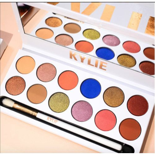 Buy Kylie Royal Peach Palette in USA, UK, Australia, Germany at Great Prices - JadoPado