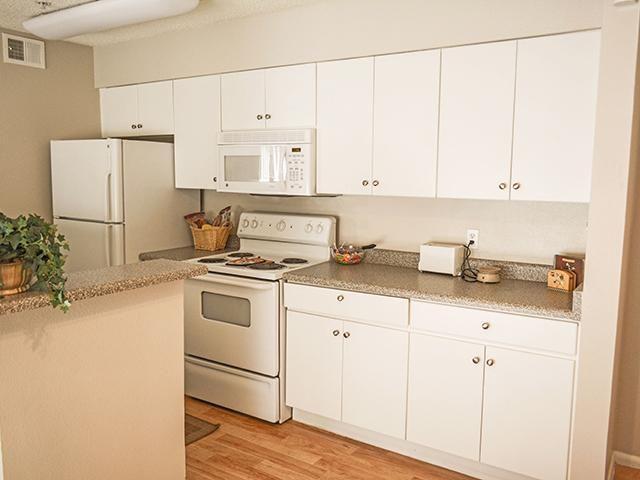 Apartments in Phoenix Arizona | Photo Gallery | Crystal Creek AZ Apartments 10 East Bell Road Phoenix, AZ 85022  (602)863-0202