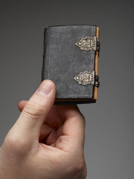 Miniature Dutch almanac and blank book, 1776
