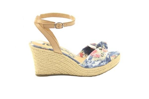 replay damesschoen  € 79,95  mooie fris gekleurde sandalet met sleehak van Replay. met bloemenprint  Model: RP510002T/0010