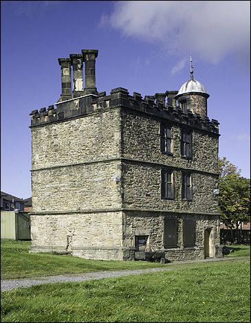 mary queen of scots And here too at Sheffield Castle and Sheffield Manor in the custody of George Talbot his wife, Bess of Hardwick