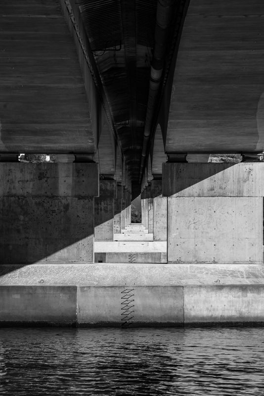 The bridge supports suit black and white treatmenthttp://aviewfinderdarkly.com.au/2016/07/13/black-and-white-photography/