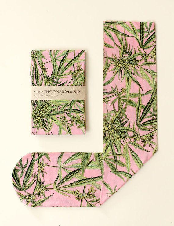 Marijuana Socks, Pink