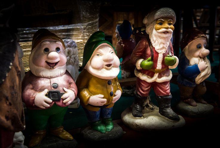 Tra disneyani nani da giardino e Babbi Natale: Archi&Parchi, la speciale green area di Mercanteinfiera Autunno dedicata all'arredo esterno e antico da giardino ed ai materiali di riuso (Pad.5).  #Nanidagiardino #Biancaneve #Lawngnome #Snowwhite #SantaClaus #BabboNatale #Mercanteinfiera #Parma #Green #GreenLife #Giardini #Antiquariato #Arredamento #OutdoorFurniture #OldFurniture #Furniture #Decor #Antiquefurniture #antiquefair