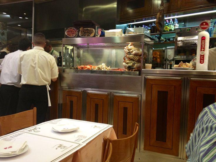 Review: Typical #Portuguese Taverna – Cervejaria Ramiro #Lisbon
