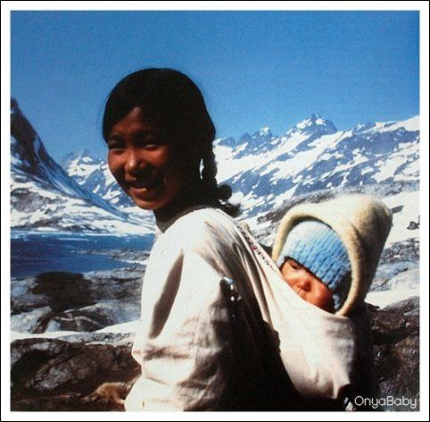 Mother with baby in an amaarngut. Greenland c. 1969. Photo: B. Robb (Babywearing around the world)