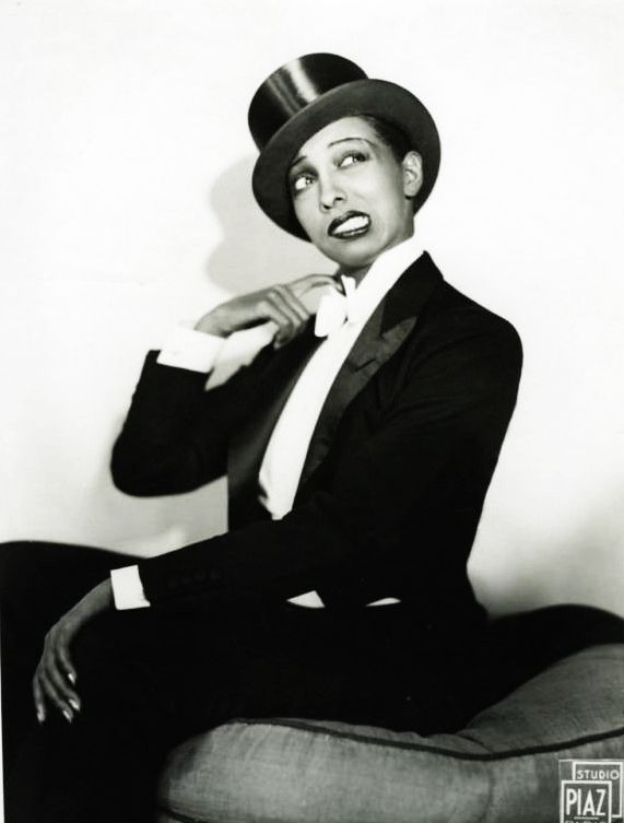 Josephine Baker c. 1933  (Source: vintagegal, via wayblackwhen)