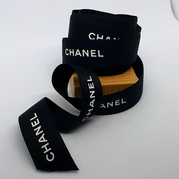 Chanel Black White Ribbon 120 Inches In 2020 Black And White Ribbon Chanel Black Chanel Here you will find all the ways for calculating and converting inches in ft and back. chanel black white ribbon 120 inches