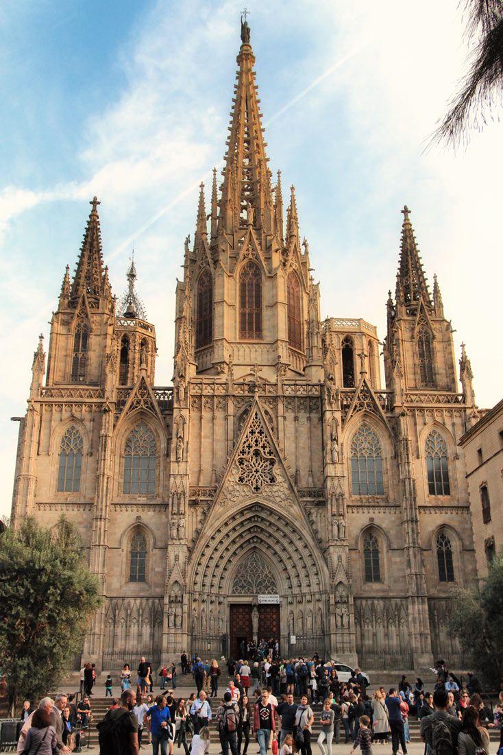 O que fazer em Barcelona - Catedral de Barcelona é um dos passeios essenciais em Barcelona (Descubra mais passeios em Barcelona, quais lugares incluir no seu roteiro pela cidade, os principais pontos turísticos e segredos, onde comer e mais!)