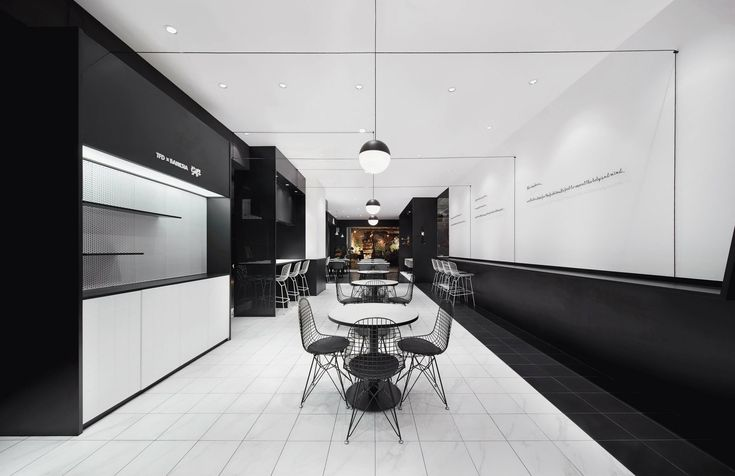 BANKSIA咖啡店,黑白点线面的Café空间