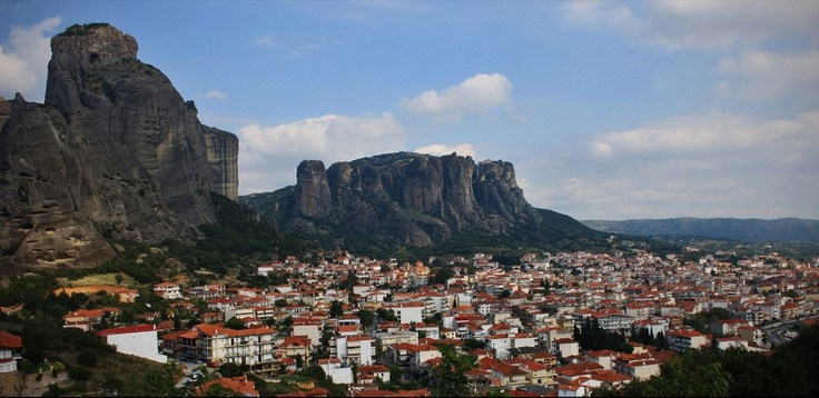 Meteora, Thessalia, Greece (more images at http://www.gogreecewebtv.com)