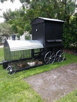 The Homestead Survival | Build A Chicken Coop That Looks Like  A Train | DIY Project - Chickens http://thehomesteadsurvival.com