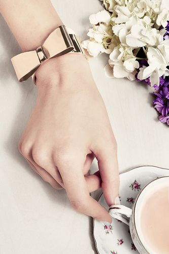 Dainty Under- Tea Drinking #refinery29