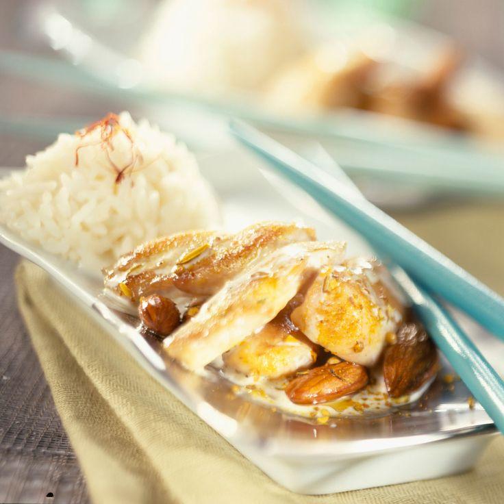 Découvrez la recette Escalope de poulet à la crème et aux amandes sur…