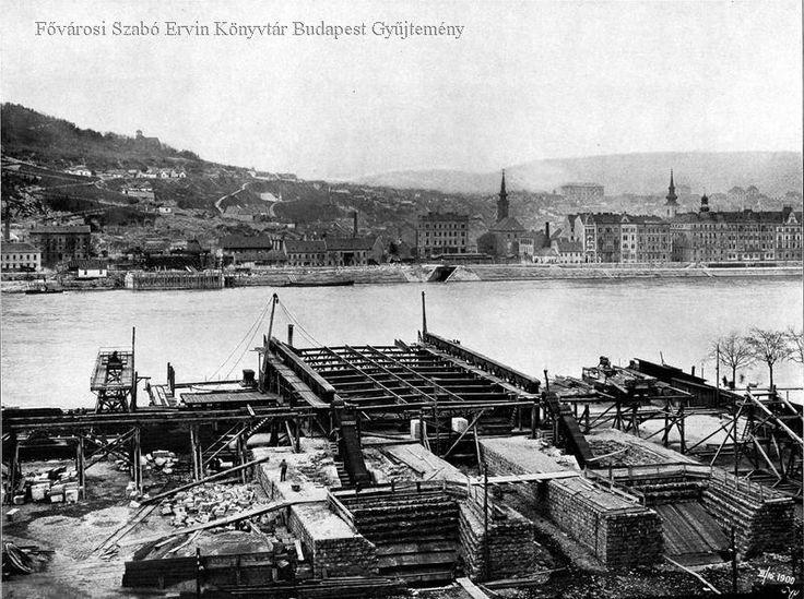 Az Erzsébet-híd építése (1900) - Forrás: bpkep.fszek.hu