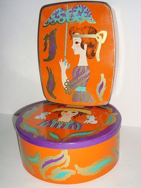 IRA Danish design retro tin from the 70s designed by Kamma Svensson. IRA retro dåse fra 70'erne. #iradenmark #iradanmark #danishdesign #danskdesign #tin #daase #kammasvensson #retro #kitchenware #tilsalg #forsale on www.TRENDYenser.com