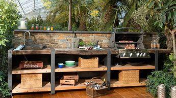 Die Outdoorküche – Wood-Line XL mit Steinrückwand   – Lisa Roth Brandstätter