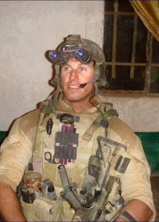 Photo of Navy EOD Senior Chief Petty Officer Scott C. Dayton. (Photo from U.S. Navy)