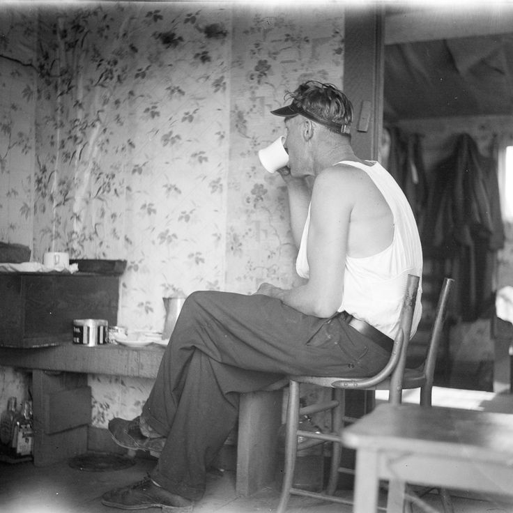 """Thousands of people took up residence in """"Hoovervilles,"""" shack communities across the country."""