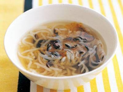 糸こんにゃくときくらげのスープ | ダイエットを助ける食物繊維たっぷりの中国風スープ。仕上げのラーユが味の決め手です。
