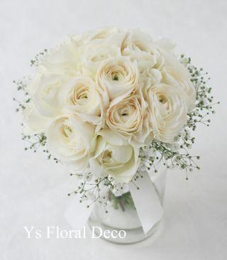 ラナンキュラス、バラ、かすみ草のクラッチブーケ  ys floral deco  @アニヴェルセル豊洲