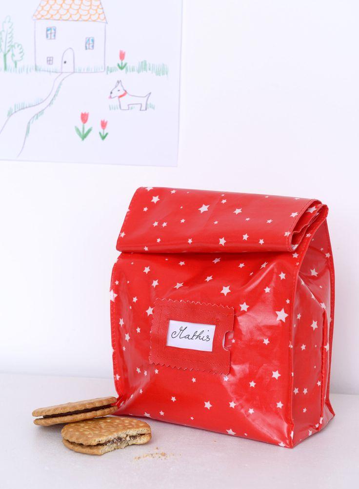 Pour cette rentrée, on vous propose de confectionner un sac de gouter stylé dans un joli tissu enduit ! A vos machines…  Ma liste  30 x 150 ...