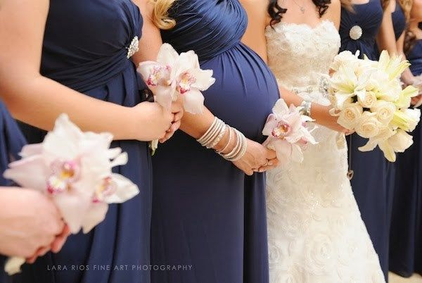 Pretty Perfect Looks for Pregnant Bridesmaids - Aisle Perfect