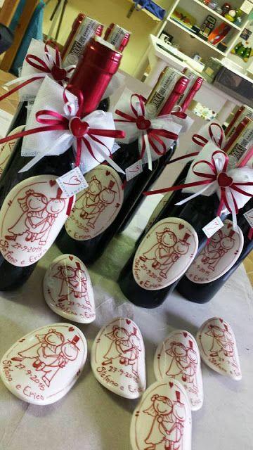 Etichetta in ceramica personalizzata per la bottiglia del vino. Bomboniera per matrimonio, originale e buona!!