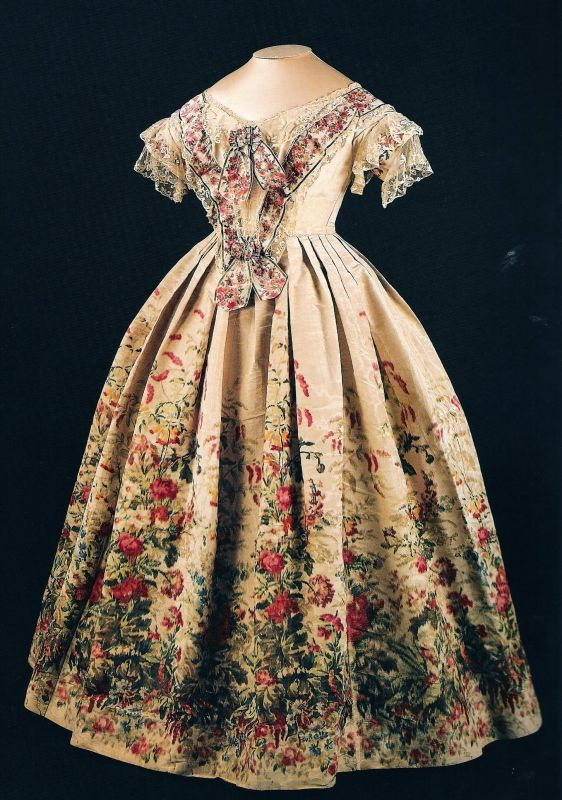 This rather lovely gown in the collection of the Museum of London was worn by Queen Victoria in 1855 on her state visit to Napoleon III and Empress Eugènie in Paris.