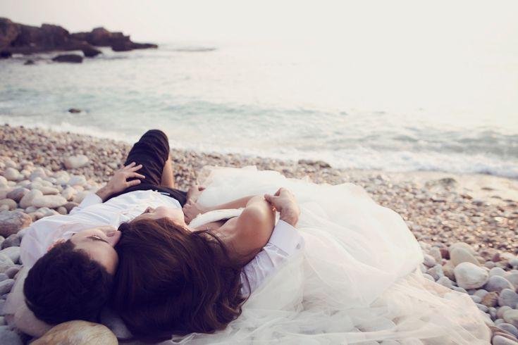 Santorini Wedding Photographer, Anna Roussos, Weddings in Greece and destinations, Dubai, Italy, France- wedding photography Athens