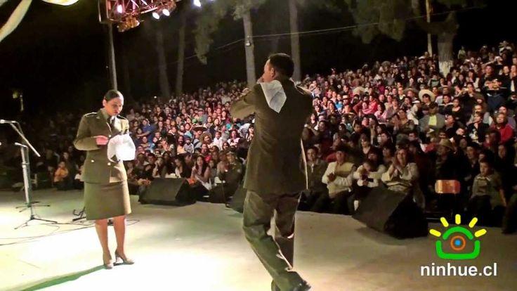 CARABINEROS BAILANDO CUECA EN NINHUE