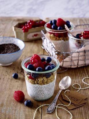 Das Rezept für Overnight-Chia-Glas und weitere kostenlose Rezepte auf LECKER.de, breakfast healthy, great idea for preparing it the night before