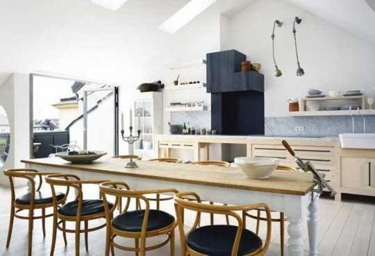 White dining room kitchen: Dining Rooms, Loft Studios, Loft Kitchens, Scandinavian Kitchen, Kitchens Dining, Studios Interiors, Open Kitchens, Farms Tables, Loft Design