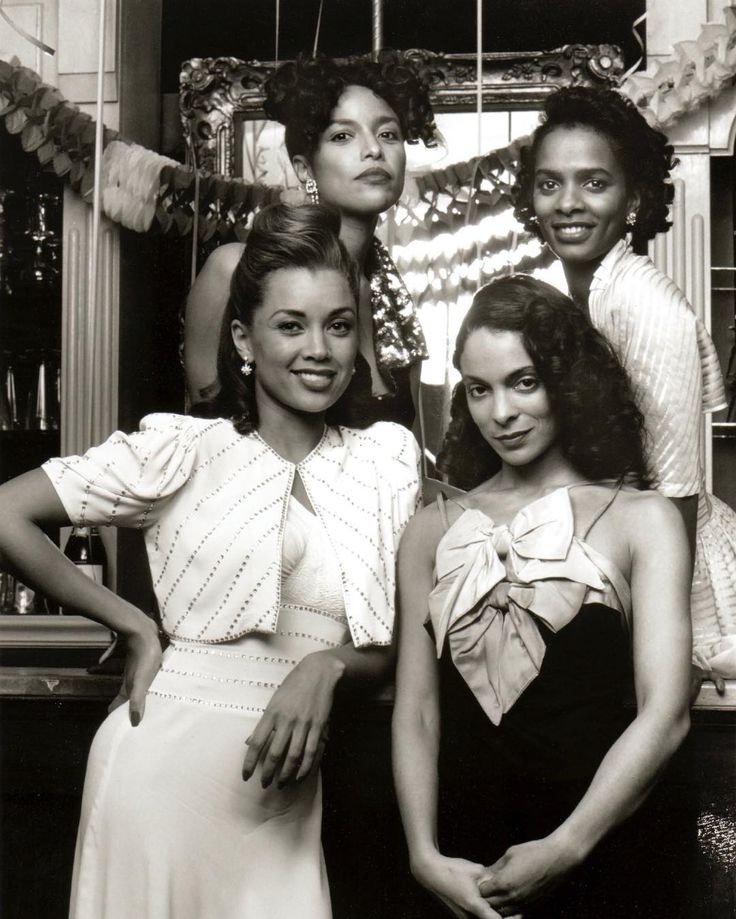 C/W: Vanessa Williams, Lynn Whitfield, Vanessa Bell Calloway and Jasmine Guy for Stompin' at the Savoy (1992).