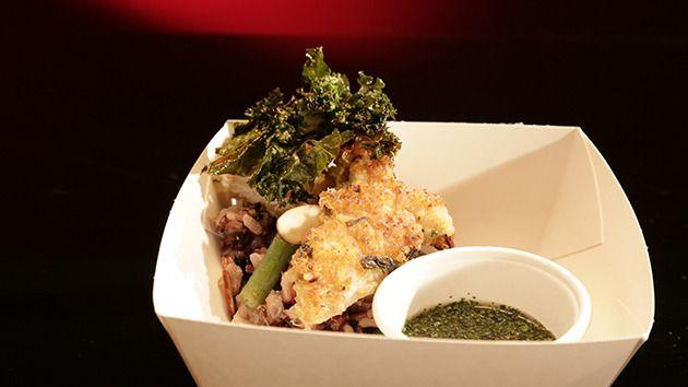 Заправка из кинзы Надо попробовать, все хвалили Quinoa Crusted Chicken with Mixed Grain Salad and Coriander Dressing