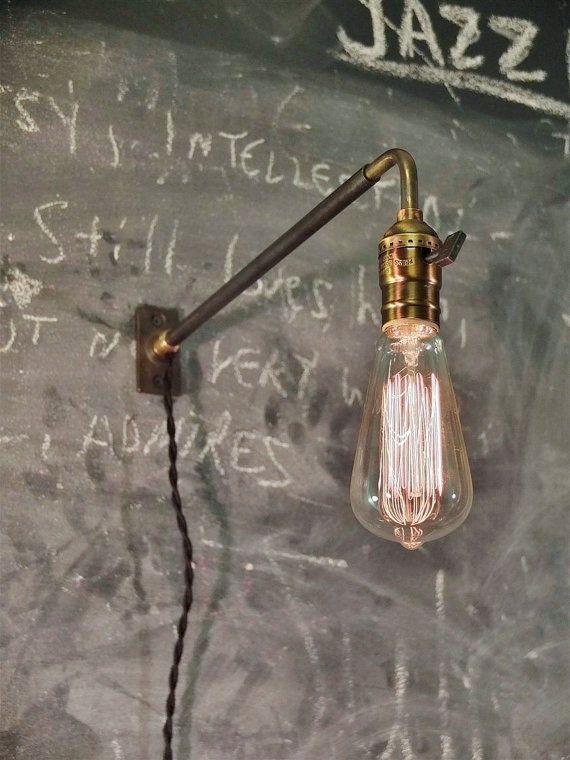 Inspiriert vom frühen zwanzigsten Jahrhundert-Bahnhof und Fabrik-Beleuchtung…