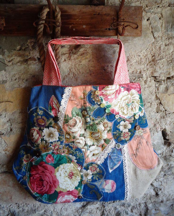 Borsa tessuto patch con fiori patch