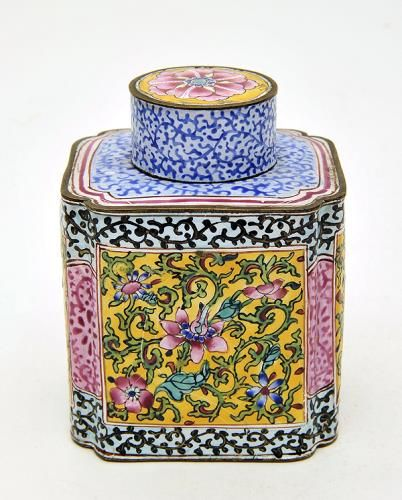 Tea caddy T'ung Chih Porcelain c. 1868 Chinese