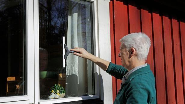 Fru Grøn: Tænk dig om før du bruger eddike til rengøring | Samvirke.dk