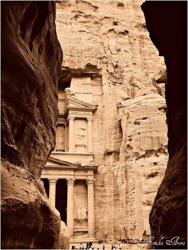 Bliski Wschód w miniaturze... Zapraszam na http://pl.monikasjourney.com/?p=208  #Jordania   #Petra   #WadiRum   #Madaba   #travel   #podróże