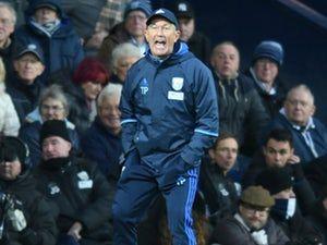 Tony Pulis: 'Huddersfield Town crowd create intimidating atmosphere'