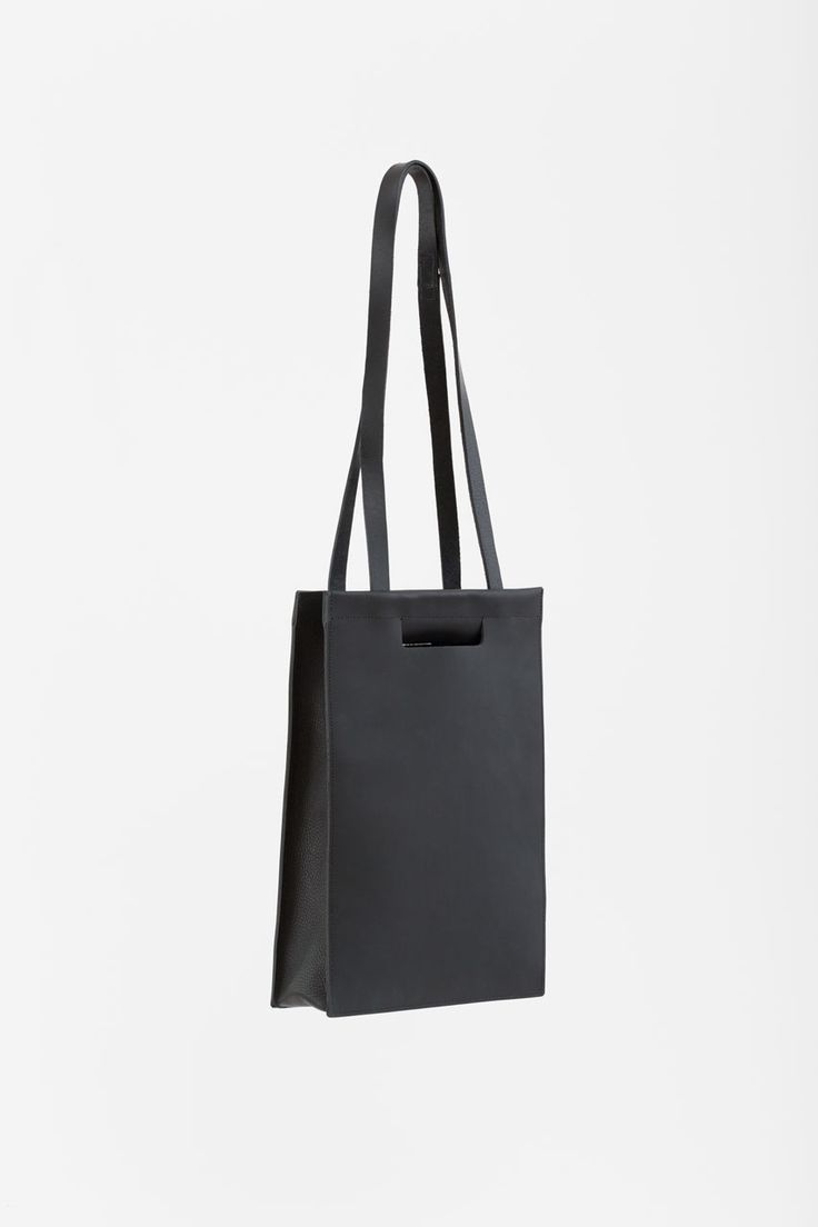 Frost Tote Pack Black CHIYOME