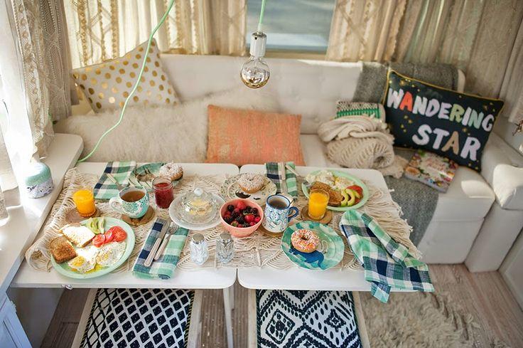 17 meilleures id es propos de int rieur airstream sur pinterest int rieurs de roulotte de. Black Bedroom Furniture Sets. Home Design Ideas