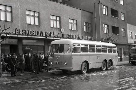 Rok 1956 - Avion: Začala sa premávka na linke Bratislava - Budapešť