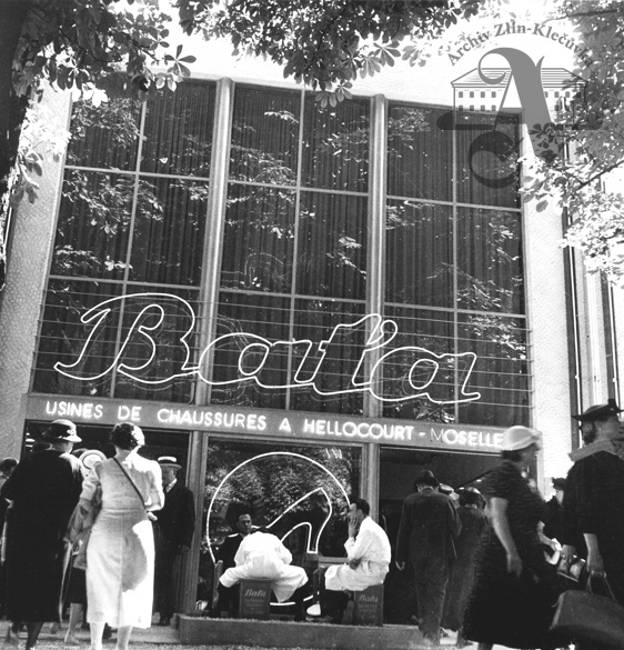 Baťa pavilion at the World Exhibition, Paris, 1937