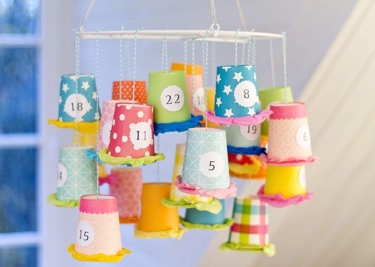 Hui, es wird immer weihnachtlicher bei uns. Der nächste Adventkalender ist fertig. Schön bunt und mit ein bisschen mehr Platz für die kleinen Glücksgeschenke, die man hineinfüllen kann. Außerdem is…
