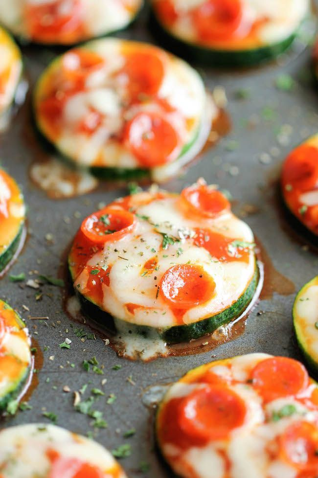 Zucchini pizza bites. 1 tablespoon olive oil. 3 zucchini, cut into 1/4-inch thick rounds Kosher salt and freshy ground black pepper, to taste. 1/3 cup marinara sauce .1/2 cup finely grated mozzarella. 1/4 cup pepperoni minis. 1 tablespoon Italian seasoning