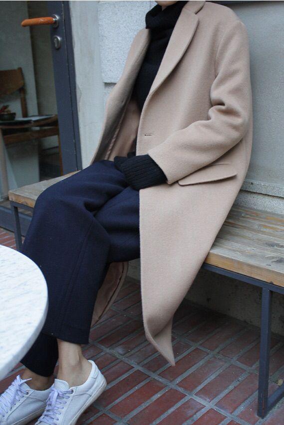 modern feminine style | capsule wardrobe | slow fashion | simple style | minimalist modern fashion | timeless style | minimalist clothes women | modern minimalist clothes ideas | french minimalist style | chic minimalist style | minimalist style fashion